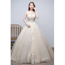 2017 New Arrival Lace Embroidery Sleeveless Wedding Dress