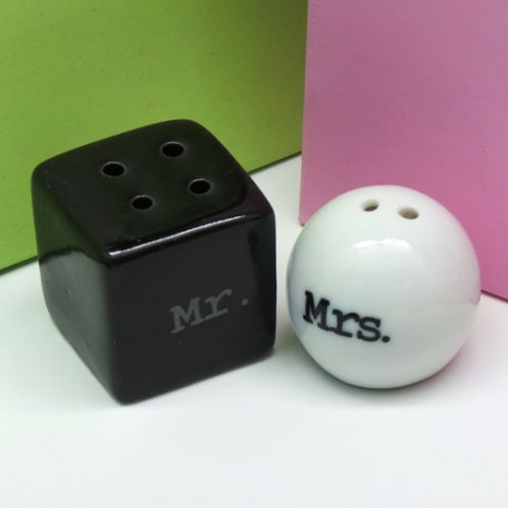 Mr And Mrs Salt & Pepper Shakers (100 Pieces)